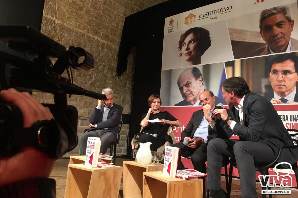 Pierluigi Bersani, Francesco Boccia, Silvia Truzzi e Antonio Padellaro sul palco delle Vecchie Segherie Mastrototaro di Bisceglie
