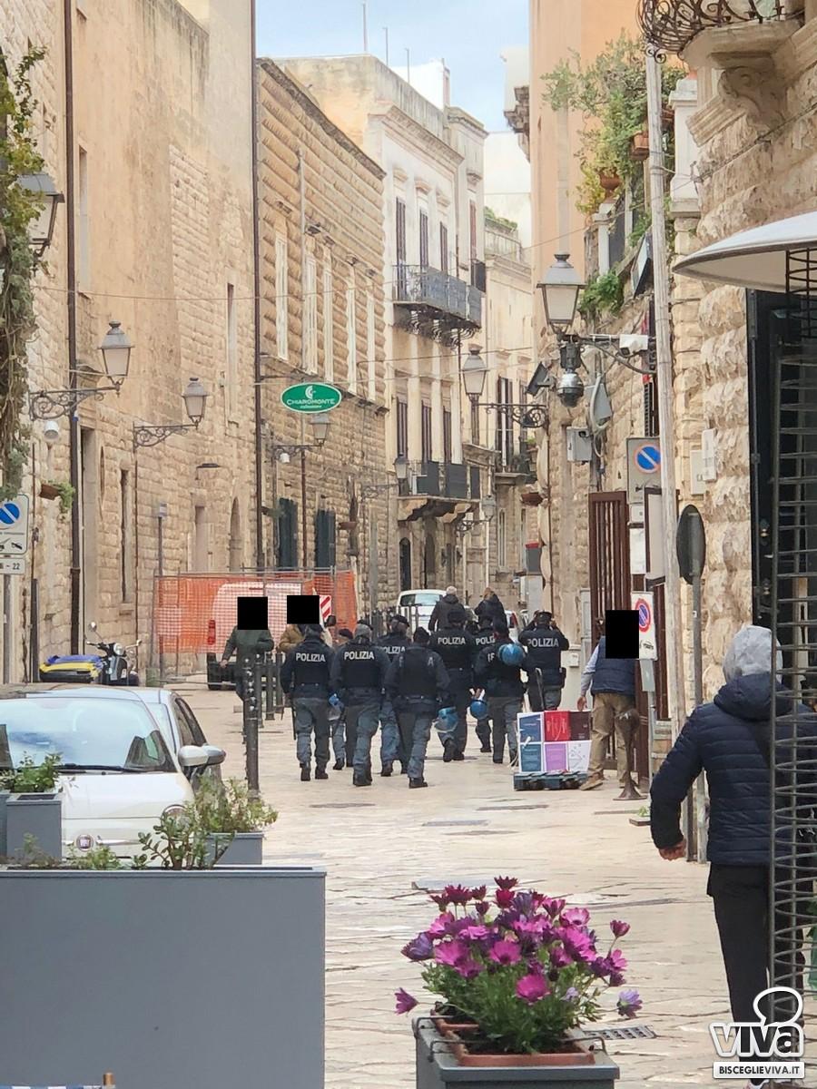 Operazioni di sgombero nel centro storico