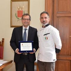 Riconoscimento del comune per il maestro pizzaiolo Montarone
