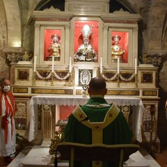 Intronizzazione urna contenenti le ossa dei Tre Santi