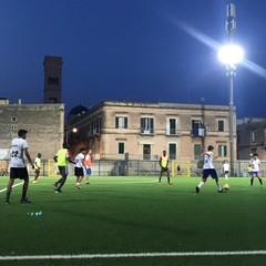 Partita di calcio contro il razzismo organizzata da Bisceglie illuminata