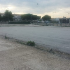 L'impianto sportivo del rione Salnitro dopo la bonifica effettuata dall'amministrazione