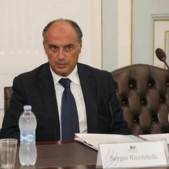 Sergio Ricchitelli - Il maresciallo capo della Guardia di Finanza, inventore della materia del Diritto Internazionale Penale, ha ricevuto nel 2017, per l'impegno quotidiano e la passione professionale, l'onorificenza di Cavaliere della Repubblica