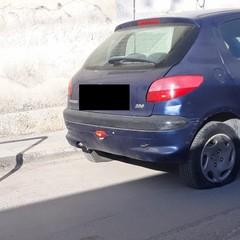 Vandalismo in zona stazione a Bisceglie, 5 auto con le ruote squarciate