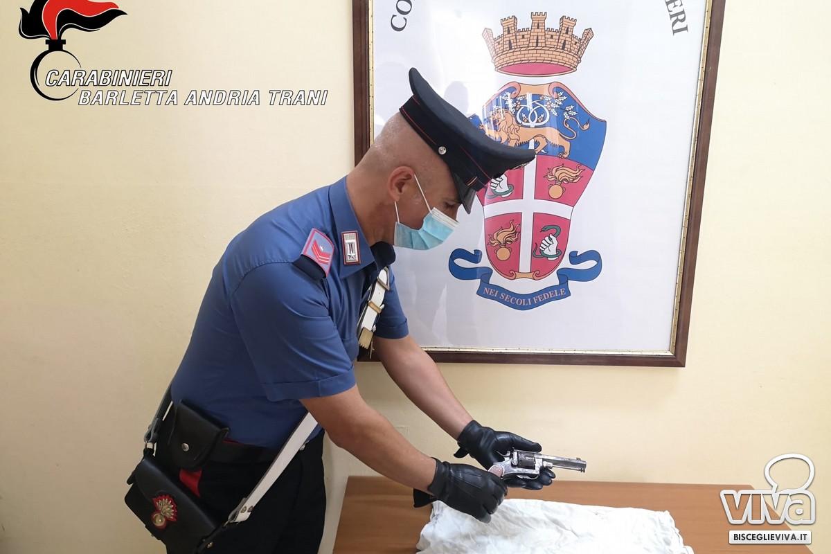La pistola ritrovata dai Carabinieri a Bisceglie