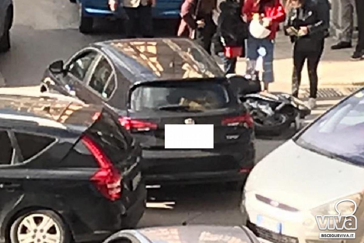Incidente all'incrocio tra via Piave e via Monte San Michele