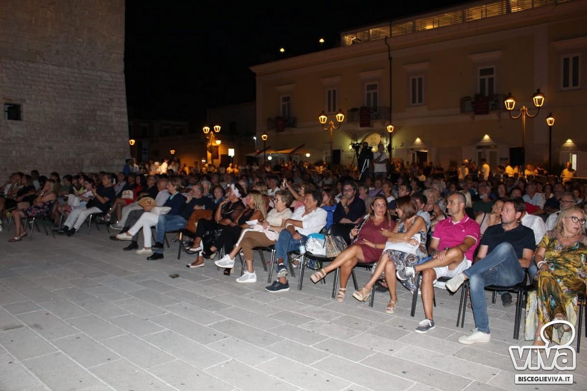 Pubblico piazza Castello