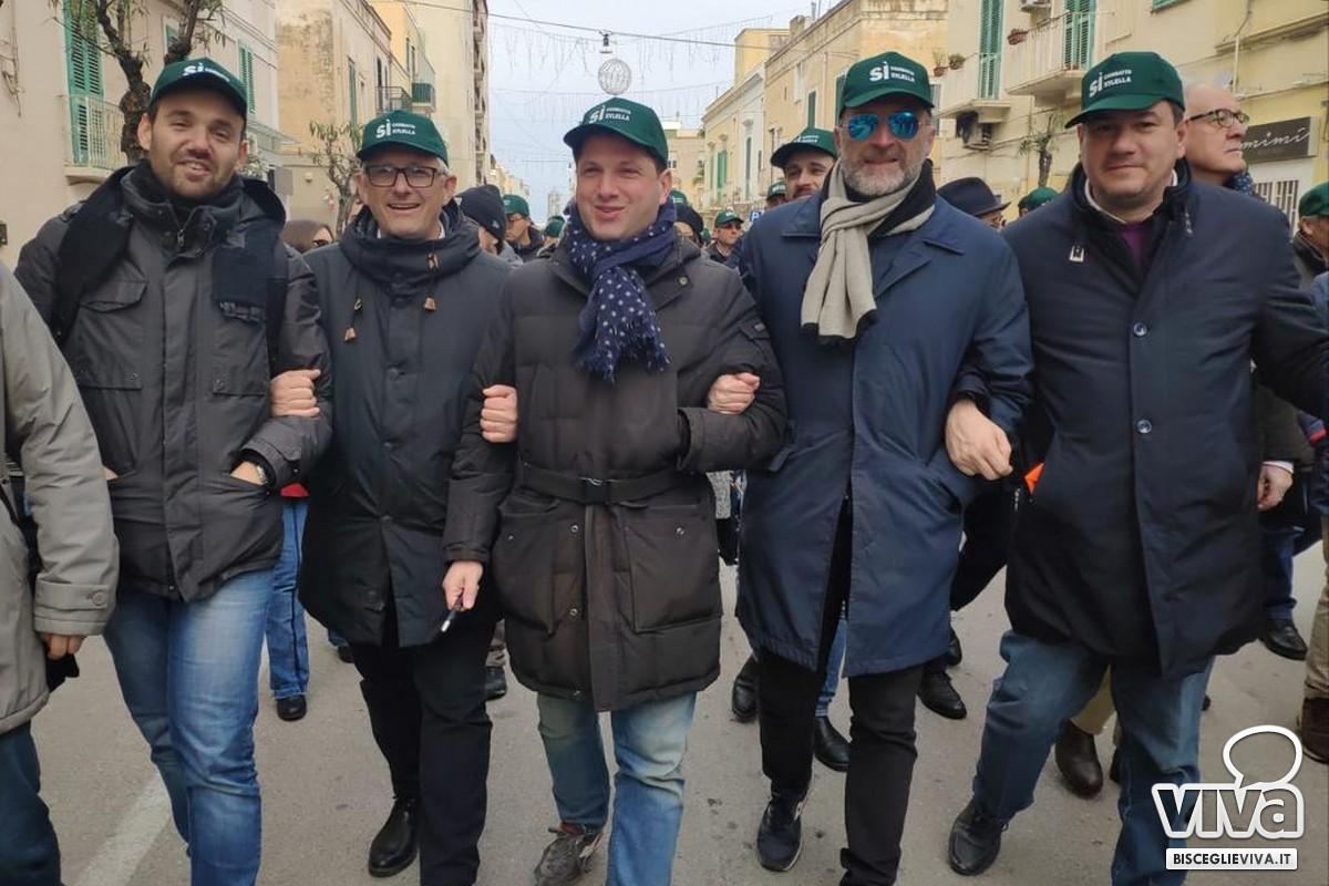 Sergio Silvestris alla manifestazione di Monopoli insieme ad alcuni amministratori biscegliesi