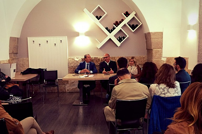 Incontro ad Andria con l'eurodeputato Cozzolino, Francesco Spina e Laura Di Pilato