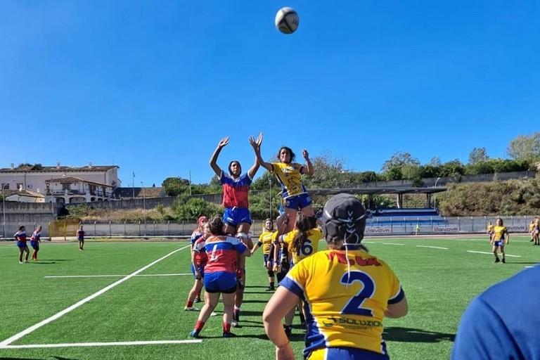 Un'azione di gioco del Bisceglie Rugby
