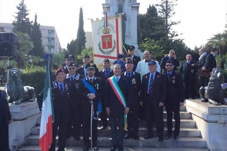 Roma, Festa delle Forze Armate: le Frecce Tricolori sorvolano il Vittoriano