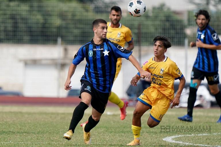 Un'azione del match tra Bisceglie e Nola. <span>Foto Emmanuele Mastrodonato</span>