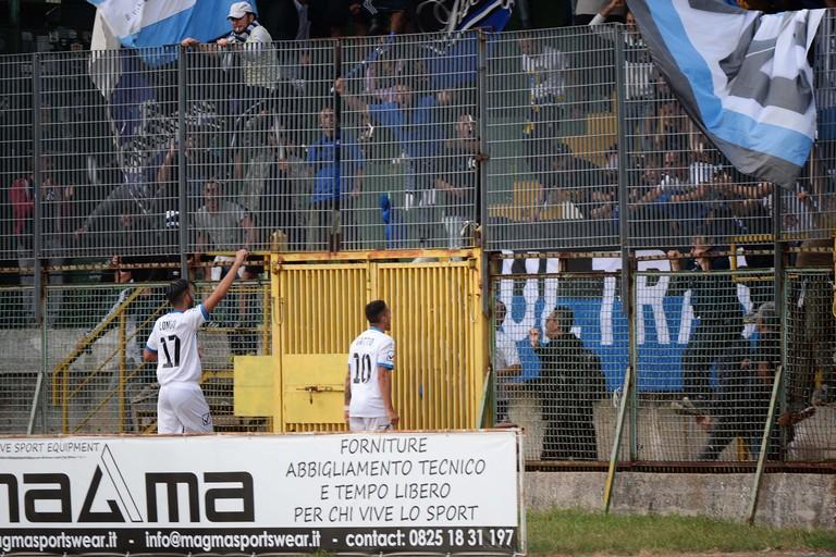 L'esultanza dei calciatori nerazzurri. <span>Foto Francesco Luciano - www.sportavellino.it -</span>