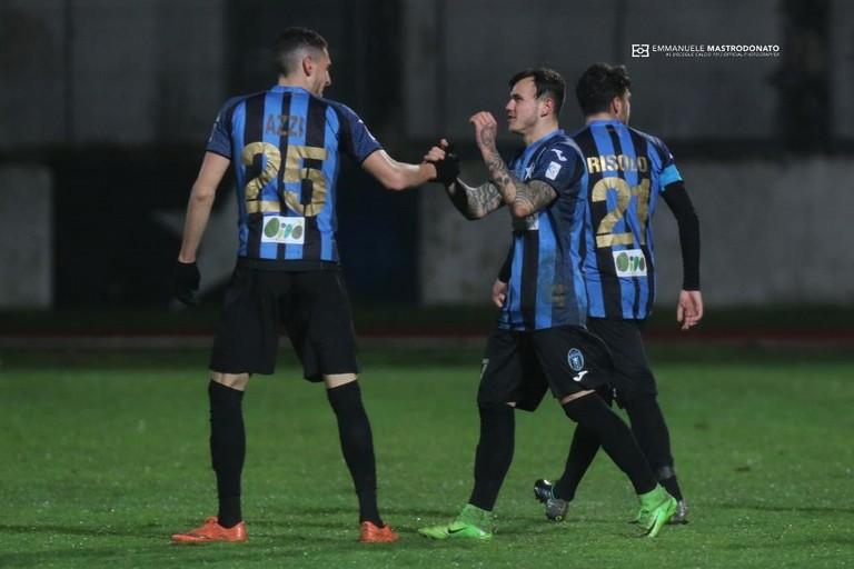 D'Ursi in festa per un gol (Foto Emmanuele Mastrodonato)