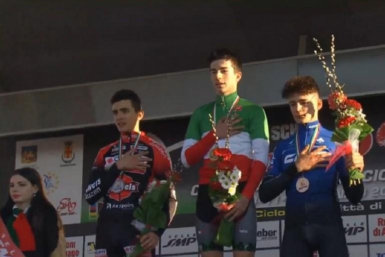 Ettore Loconsolo sul terzo gradino del podio ai campionati italiani di Schio