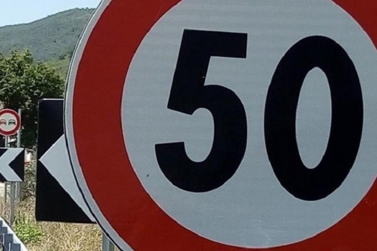 Cartello di limite di velocità