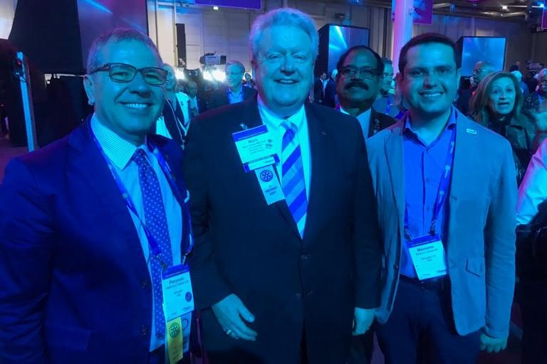 da sx Pierpaolo Sinigaglia, il Presidente Rotary Holger Knaack e Massimo Cassanelli