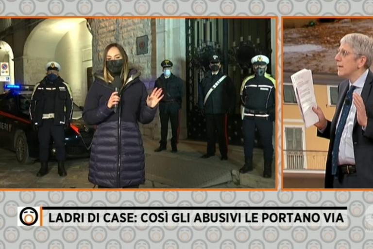 L'inviata del programma davanti a Palazzo San Domenico