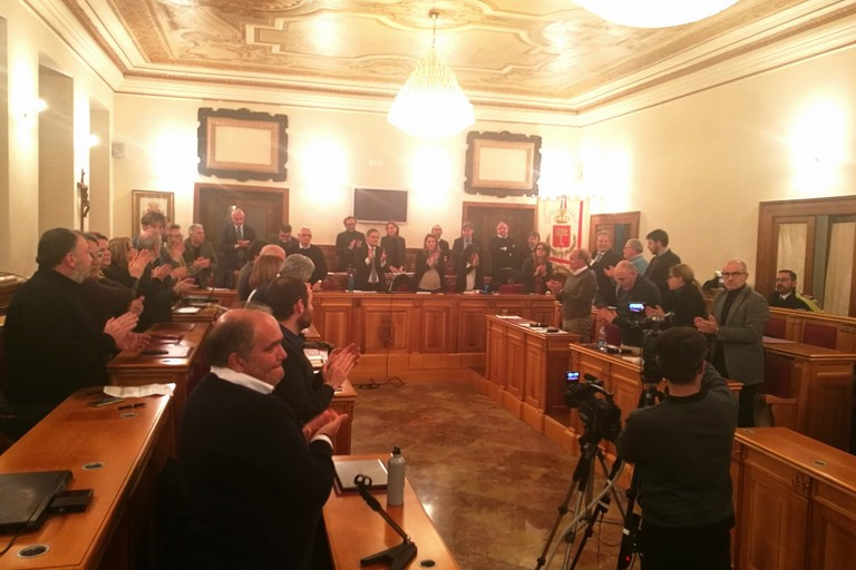 Il consiglio comunale di Bisceglie ha concesso la cittadinanza onoraria a Liliana Segre