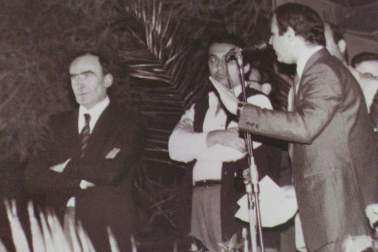 Giovanni Bruni nel corso di un comizio di Biagio Lorusso nel 1983