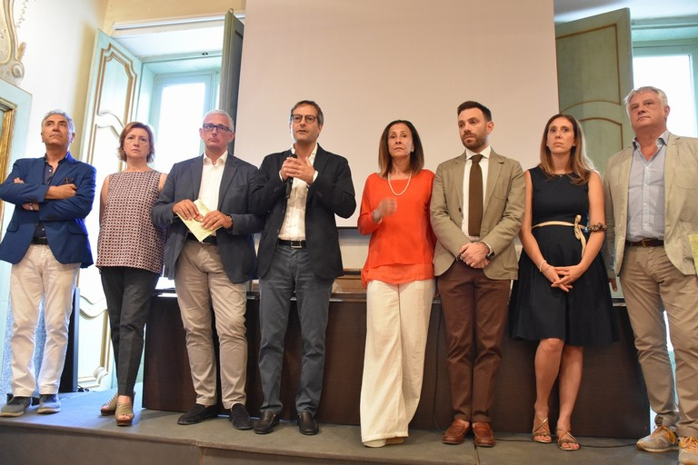 La nuova giunta di Bisceglie al completo (Foto Vito Troilo)