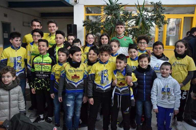 Il campione italiano Ettore Loconsolo col team Giovanissimi Ludobike. <span>Foto Luca Ferrante</span>