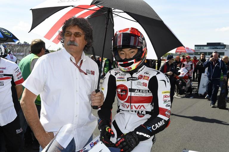 Paolo Simoncelli con Tastuki Suzuki