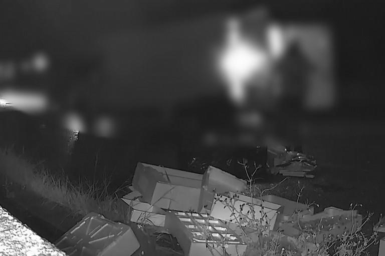 Fototrappole in azione a Bisceglie contro l'abbandono dei rifiuti