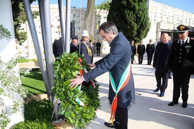 L'omaggio del sindaco Angarano nel corso della commemorazione dei caduti in missioni di pace