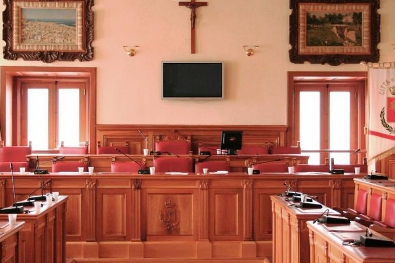 L'aula consiliare di Palazzo San Domenico