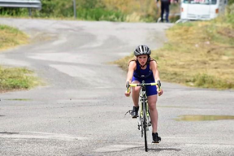 Aurora Pellegrini durante una frazione in bici
