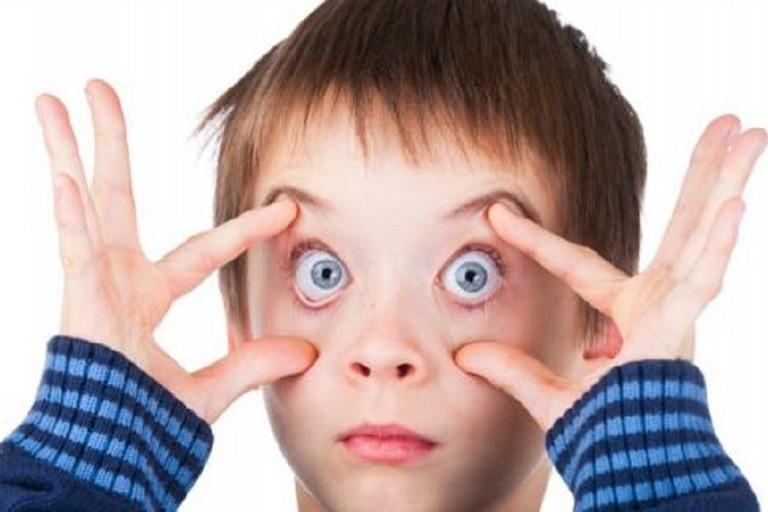 Un bambino... con gli occhi aperti