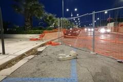 Un'altra auto si schianta sul cantiere del lungomare Umberto Paternostro