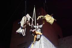 Spettacolo di danze aeree a Calici nel Borgo Antico (seconda parte)