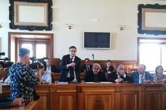 Angarano attacca: «Le uniche parole usate in consiglio sono state scioglimento e dimissioni»