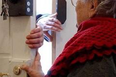 Coronavirus, dai finti tamponi alle autodichiarazioni tutti i pretesti per le truffe agli anziani