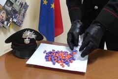 100 dosi di droga in cucina, manette ai polsi di un 47enne biscegliese