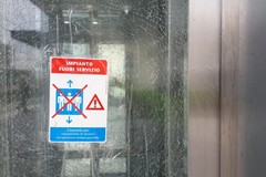 Stazione ferroviaria, ascensore fuori servizio per precauzione