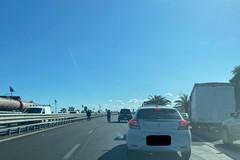 Traffico in tilt sulla 16 bis per un incidente