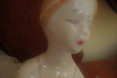 La dama dalla gerbera gialla