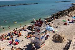 Giovane polacco colto da malore, intervento tempestivo di un bagnino dell'associazione Bawatch