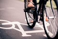 Domenica biciclettata in maschera