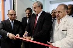 Emiliano inaugura il reparto di geriatria dell'ospedale di Bisceglie