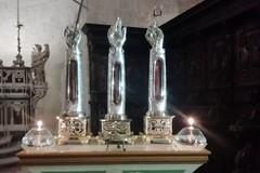 """Le """"Braccia dei Santi"""" esposte sull'altare della Cattedrale"""