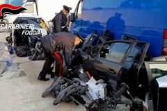 Parti di auto rubate a Bisceglie scoperte in un'autodemolizione dai Carabinieri di Cerignola