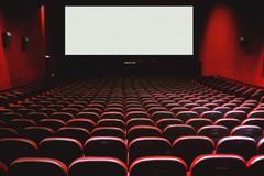 Una piccola sala cinematografica nell'Hospice di Universo Salute