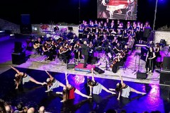 """L'orchestra """"Fa mi fa re"""" si esibisce al Teatro Mediterraneo"""