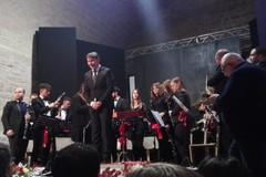 """L'orchestra """"Biagio Abbate"""" incanta ancora, il Gran Galà di Capodanno è un successone"""