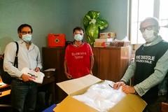 Via alla distribuzione gratuita di mascherine per famiglie in difficoltà e persone fragili