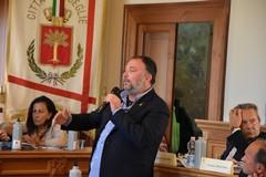 Consiglio comunale, Rossano Sasso resta fra i banchi della minoranza. Per il momento
